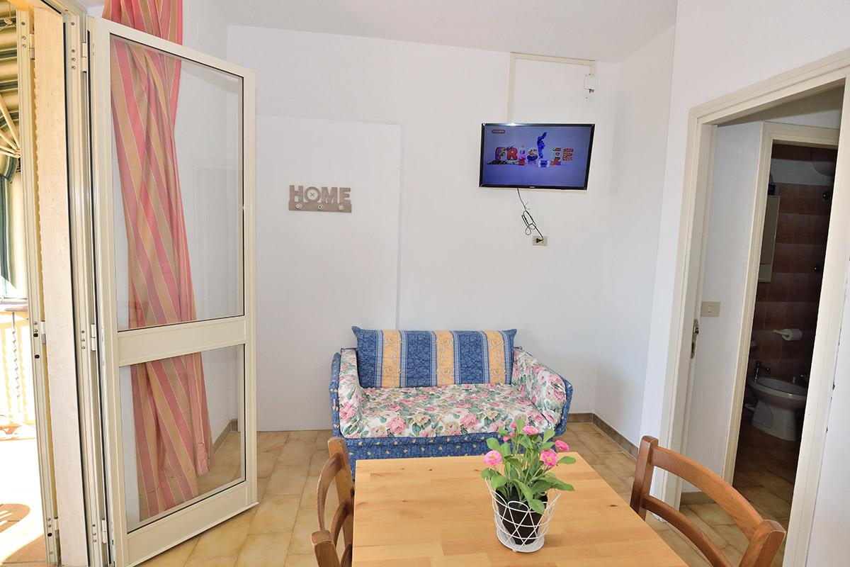 zwei zimmer wohnung c von mini hotel lacona insel elba. Black Bedroom Furniture Sets. Home Design Ideas